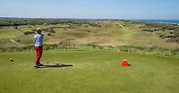 DOMBURG -  Afslag hole 1  van de Domburgsche Golf Club in Zeeland (Walcheren) .  COPYRIGHT KOEN SUYK