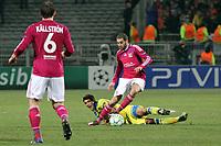 FOOTBALL - UEFA CHAMPIONS LEAGUE 2011/2012 - 1/8 FINAL - 1ST LEG - OLYMPIQUE LYONNAIS v APOEL FC - 14/02/2012 - PHOTO EDDY LEMAISTRE / DPPI - LISANDRO LOPEZ  (OL) AND AILTON (APOEL FC)