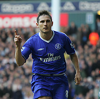 Frank Lampard scores from the penatly spotTottenham v Chelsea-Barclays Premiership-Saturday-15 January 2005-COLORSPORT / KIERAN GALVIN