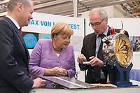 """19 SEP 2012, HAMBURG/GERMANY:<br /> Olaf Scholz, Erster Bürgermeister Hamburg, Angela Merkel, Bundeskanzlerin, und Helmut Dosch, Vorsitzender DESY-Direktorium, (v.L.n.R.), besichtigen die PETRA III Experimentierhalle, Max von Laue-Fest """"Vorstoß in den Nanokosmos - Von Max Laue zu PETRA III"""" mit Taufakt der PETRA III-Experimentierhalle """"Max von Laue"""", mit Deutsches-Elektronen-Synchrotron, DESY<br /> IMAGE: 20120919-01-062"""