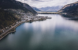 THEMENBILD - Zell am See mit dem Zeller See und dem Steinernen Meer, aufgenommen am 18. April 2020 in Zell am See, Österreich // the City of Zell am See with the Zeller See and the Steinernes Meer Mountains, Zell am See, Austria on 2020/04/18. EXPA Pictures © 2020, PhotoCredit: EXPA/ JFK