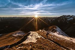 THEMENBILD - Sonnenuntergangs Wanderung auf das Figerhorn (2743 Meter) im Kalser Ködnitztal, im Bild ein Bergsportler, und der Blick auf die Greil Bühel und den Sonnenuntergang in den Bergen // Sunset hike to the Figerhorn (2743 metres) in the Kalser Ködnitztal, in the picture a mountain sportsman, and the view of the Greil Bühel and the sunset in the mountain. EXPA Pictures © 2020, PhotoCredit: EXPA/ Lukas Huter