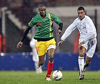 Fotball<br /> 20.11.2007<br /> Algerie v Mali<br /> Foto: Dppi/Digitalsport<br /> NORWAY ONLY<br /> <br /> FOOTBALL - FRIENDLY GAMES 2007/2008 - ALGERIA v MALI - 20/11/2007 - DRAMANE TRAORE  (MALI) / SAMIR ZAOUI (ALG)