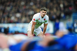 Owen Farrell of England watches a scrum - Mandatory byline: Patrick Khachfe/JMP - 07966 386802 - 19/03/2016 - RUGBY UNION - Stade de France - Paris, France - France v England - RBS Six Nations.