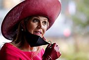"""DEN HAAG, 01-10-2020, World Forum The Hague<br /> <br /> Koningin Máxima opent de jaarlijkse borstkankermaand tijdens een bijeenkomst ter gelegenheid van het veertigjarig bestaan van de Borstkankervereniging Nederland (BVN) in World Forum The Hague. Tijdens borstkankermaand wordt ieder jaar in oktober wereldwijd aandacht gevraagd voor borstkanker. Het thema dit jaar is 'Borstkanker heb je niet alleen' met speciale aandacht voor de rol van naasten en de impact die de ziekte ook op hen heeft. <br /> <br /> Queen Máxima opens the annual breast cancer month during a meeting on the occasion of the 40th anniversary of the Dutch Breast Cancer Association (BVN) at the World Forum in The Hague. During breast cancer month, every October worldwide attention is drawn to breast cancer. This year's theme is """"You don't just have breast cancer"""" with a focus on the role of those close to you and the impact the disease has on them."""