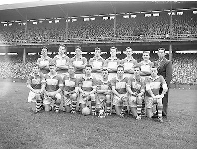 All Ireland Senior Football Championship - Final, Neg No:.A831/49906-05006, 28091958AISFCF, 28.09.1958, 09.28.1958, 28th September 1958, Dublin 02-12 Derry 01-09,..Derry Team (runners up) .Back row (from left) Patsy McLarnon, Sean O'Connell, Hugh Francis Gribbin, Patsy Breen, Phil Stuart, Brendan Murray, Peter Smith, Roddy Gribbin. Front row (from left) Denis McKeever, Brian Mullan, Owen Gribbin, Jim McKeever, Charlie Higgins, Tommy Doherty, Colm Mulholland, Patsy Gormley,