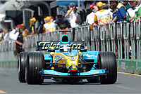 Formel 1, AUTO - F1 2004 - AUSTRALIA GP - MELBOURNE 20040307 - PHOTO : GILLES LEVENT / Digitalsport<br /> N¡ 7 - JARNO TRULLI (ITA) / RENAULT - ACTION