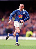 Muzzy Izzet - Leicester. Leicester City v Manchester United. FA Premiership, 14/10/00. Credit: Colorsport / Andrew Cowie.