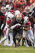 San Francisco 49ers running back Carlos Hyde (28) carries the ball against the Arizona Cardinals at Levi's Stadium in Santa Clara, Calif., on October 6, 2016. (Stan Olszewski/Special to S.F. Examiner)