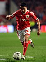 20120331: LISBON, PORTUGAL – Portuguese Liga Zon Sagres 2011/2012 - SL Benfica vs CS Braga.<br />In picture: Benfica's Nicolas Gaitan, from Argentine, controls the ball.<br />PHOTO: Alvaro Isidoro/CITYFILES