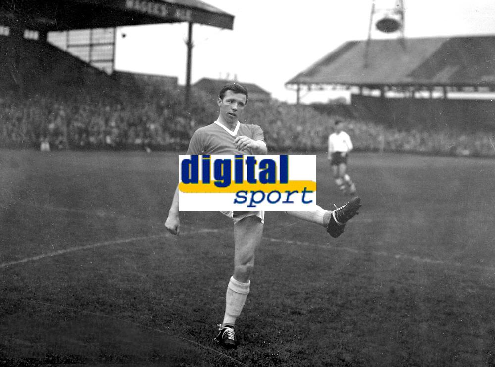 Nobby Stiles MAKING HIS DEBUT for Manchester United. Bolton Wanderers v Manchester United. 1960 @ Burnden Park. Credit : Colorsport.