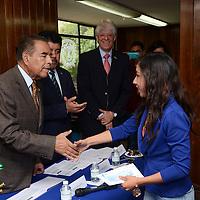 Toluca, México.- Humberto Benítez Treviño, presidente de la Fundación UAMex, durante la entrega de 17 becas de titulación a alumnos de la UAEM. Agencia MVT / Arturo Hernández.