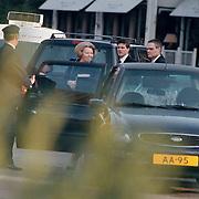 Koninging Beatrix vertrekt bij tandarts Beekmans in Laren