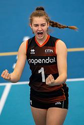 26-10-2019 NED: Talentteam Papendal - Sliedrecht Sport, Ede<br /> Round 4 of Eredivisie volleyball - Noa de Vos #1 of Talent Team