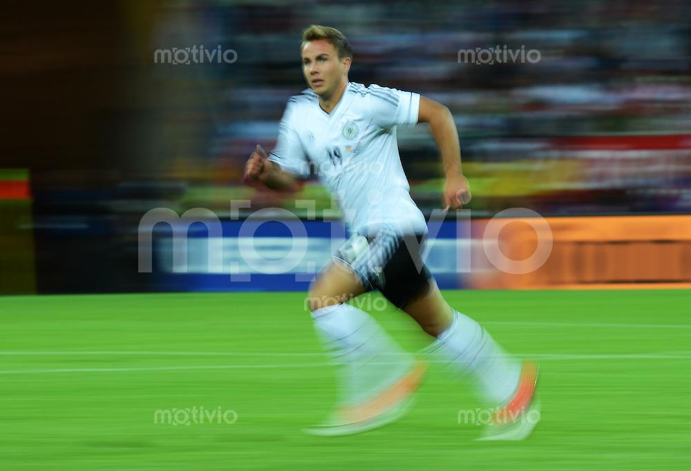 FUSSBALL  EUROPAMEISTERSCHAFT 2012   VIERTELFINALE Deutschland - Griechenland     22.06.2012 Symbolbild Fussball