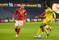 Alexander Isak (Sverige) og Christian Eriksen (Danmark) under venskabskampen mellem Danmark og Sverige den 11. november 2020 på Brøndby Stadion (Foto: Claus Birch).