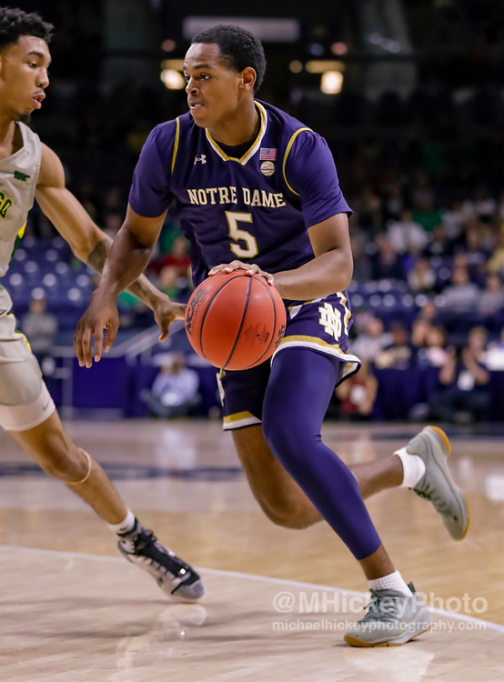 SOUTH BEND, IN - NOVEMBER 08: D.J. Harvey #5 of the Notre Dame Fighting Irish is seen during the game against the Chicago State Cougars at Purcell Pavilion on November 8, 2018 in South Bend, Indiana. (Photo by Michael Hickey/Getty Images) *** Local Caption *** D.J. Harvey