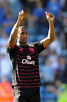 Fotball<br /> England<br /> Foto: Fotosports/Digitalsport<br /> NORWAY ONLY<br /> <br /> Sylvain Distin (Everton) reacts with Pompey fans after the match <br /> <br /> 26.09.09 Portsmouth v Everton (0-1) Barclays Premier League Fratton Park