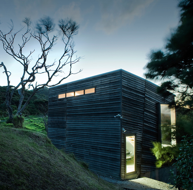 Wishart house, new zealand, Hokianga, rewi thomson architecture. Canon 1DS MKII. 10 seconds f10. 24mm TSL.