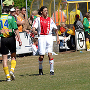 NLD/Huizen/20070430 - Koninginnedag 2007 Huizen, SV Huizen - Ajax Old Boys, Ali B. in ajax tenue voetballend