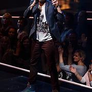NLD/Hilversum/20131107- The Voice of Holland 1e live uitzending, optreden Steven de Geus