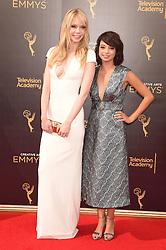 Riki Lindhome, Kate Micucci bei der Ankunft zur Verleihung der Creative Arts Emmy Awards in Los Angeles / 110916 <br /> <br /> *** Arrivals at the Creative Arts Emmy Awards in Los Angeles, September 11, 2016 ***