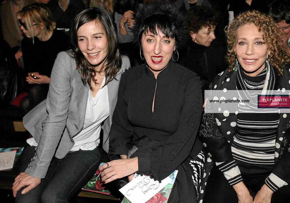 Marisa Berenson - Zoé Félix - - Rossy de Palma - - Kenzo - Paris, Fashion Week - 3/3/2007 - JSB / PixPlanete