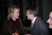 Sue Macartney-Snape and Robert Noel. ( He is a herald, used to be  Blue mantle Pursuivant )  Annabel Freyberg and Andrew Barrow drinks party. The Royal Geographical Society. 5 January 2006. ONE TIME USE ONLY - DO NOT ARCHIVE  © Copyright Photograph by Dafydd Jones 66 Stockwell Park Rd. London SW9 0DA Tel 020 7733 0108 www.dafjones.com