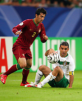 v.l. Caneira, Rafael Marques Mexiko<br /> Fussball WM 2006 Portugal - Mexiko<br /> Mexico<br /> Norway only