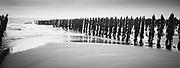 20111231, Cap gris nez, Frankrijk, Golfbreker. PHOTO © Christophe Vander Eecken