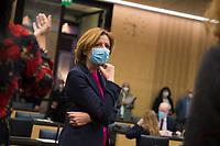 DEU, Deutschland, Germany, Berlin, 12.02.2021: Malu Dreyer (SPD), Ministerpräsidentin von Rheinland-Pfalz, bei der 1000. Plenarsitzung des Bundesrats. Aufgrund der Pandemie müssen alle Teilnehmer medizinische Masken bzw. FFP-2 Masken tragen.