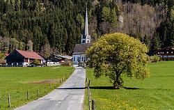 THEMENBILD - Blick auf die Kirche von Gerling, aufgenommen am 30. April 2017, Maishofen, Österreich // View of the church of Gerling at Maishofen, Austria on 2017/04/30. EXPA Pictures © 2017, PhotoCredit: EXPA/ JFK