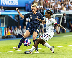 June 28, 2019 - Paris, França - PARIS, IF - 28.06.2019: FRANCE VS USA - Marion Torrent of France and Crystal Dunn of the United States during a match between France and United States. World Cup Qualification Football. FIFA. Held at the Parc des Princes Stadium in Paris, France  (Credit Image: © Richard Callis/Fotoarena via ZUMA Press)