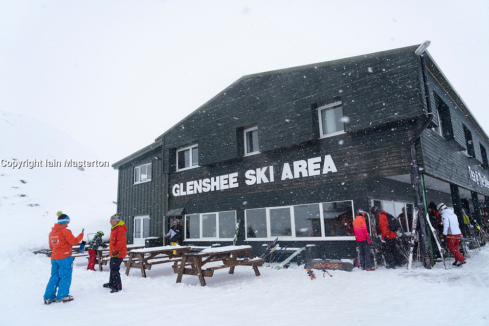 Glenshee, Scotland, UK. 16 March, 2019. Snow on high ground in Scotland meant skiing conditions at Glenshee Ski Centre in Aberdeenshire was good and hundreds of skiers made the most of excellent skiing conditions after a slow start to the Scottish ski season due to lack of snow.