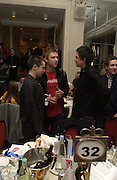 Damon Albarn.  The Q Awards, the  magazine's annual music awards,  Grosvenor House. October 10 2005. ONE TIME USE ONLY - DO NOT ARCHIVE © Copyright Photograph by Dafydd Jones 66 Stockwell Park Rd. London SW9 0DA Tel 020 7733 0108 www.dafjones.com