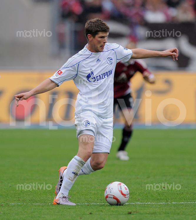 FUSSBALL   1. BUNDESLIGA   SAISON 2010/2011  7. SPIELTAG    02.10.2010 1. FC Nuernberg - FC Schalke 04                  Klaas Jan Huntelaar (FC Schalke 04)