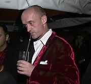 Gotfried von Bismarck. Yoo party. Hall Rd. London NW8. 28 September 2000. © Copyright Photograph by Dafydd Jones 66 Stockwell Park Rd. London SW9 0DA Tel 020 7733 0108 www.dafjones.com