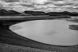 Overview to the lake area, Veidivotn, Highlands of Iceland - Horft yfir á vatnasvæði norðan við Ljótapoll