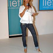 NLD/Amstelveen/20070524 - Presentatie LIEF kledinglijn, modeshow