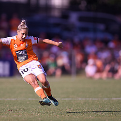 BRISBANE, AUSTRALIA - FEBRUARY 11: Katrina Gorry of the Roar passes the ball during the Westfield W-League Semi Final match between the Brisbane Roar and Melbourne City at Perry Park on February 11, 2018 in Brisbane, Australia. (Photo by Patrick Kearney / Brisbane Roar)