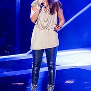 NLD/Hilversum/20121214 - Finale The Voice of Holland 2012, optreden Floortje Smit