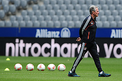 14.05.2013, Allianz Arena, Muenchen, GER, UEFA CL, FC Bayern Muenchen, Medientag, im Bild Trainer Jupp HEYNCKES (FC Bayern Muenchen) bei einem seiner letzten Auftritte fuer den FC Bayern in der Allianz Arena // during the open media day of FC Bayern Munich in front of the UEFA Champions League Final 2013 held at the Alianz Arena, Munich, Germany on 2013/05/14. EXPA Pictures © 2013, PhotoCredit: EXPA/ Eibner/ Wolfgang Stuetzle..***** ATTENTION - OUT OF GER *****