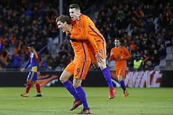 (L-R), Sam Lammers of Jong Oranje, Oussama Idrissi of Jong Oranje during the EURO U21 2017 qualifying match between Netherlands U21 and Andorra U21 at the Vijverberg stadium on November 10, 2017 in Doetinchem, The Netherlands