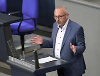 DEU, Deutschland, Germany, Berlin, 07.05.2020: Alexander Ulrich (Die Linke) während einer Rede bei einer Plenarsitzung im Deutschen Bundestag.
