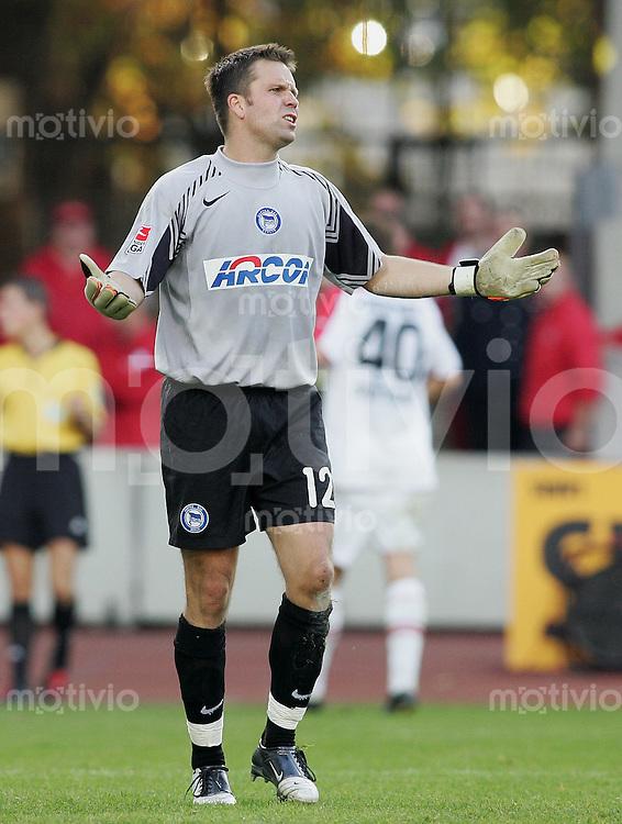 Fussball 1. Bundesliga 2005/2006 11. Spieltag VfB Stuttgart 3-3 Hertha BSC Berlin Hertha-Torwart Jens Fiedler