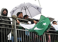 Cricket - 2019 ICC Cricket World Cup - Group Stage: Pakistan vs. Sri Lanka<br /> <br /> Rain delay : Pakistan wait for a break in the showers at The Bristol County Ground, Bristol.<br /> <br /> COLORSPORT/ANDREW COWIE