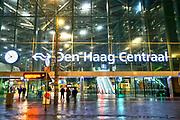 Nederland, Den Haag, 7-3-2019Ingang gebouw centraal station van Den Haag . Foto: Flip Franssen