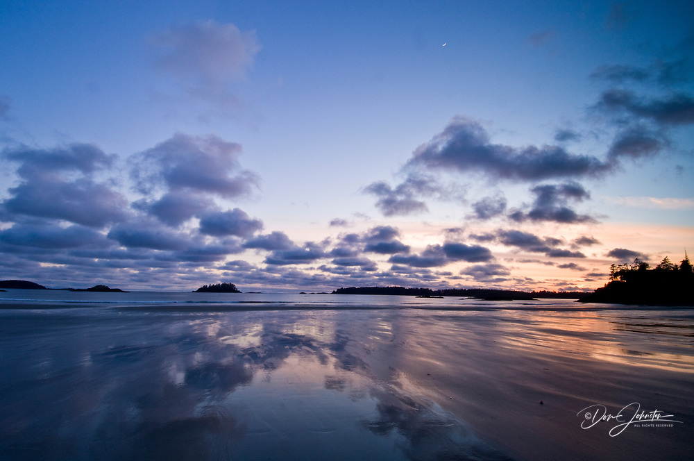 Pacific Rim sunset- MacKenzie Beach and outer islands at ebbing tide, Tofino, BC, Canada