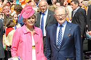 Koninginnedag 2011 in de Limburgse plaats Weert // Queen's Day 2011 in the southern of Holland ( Limburg). The Royal family is visiting the city of Weert.<br /> <br /> Op de foto / On the photo: Prinses Laurentien en Mr. Pieter van Vollenhoven
