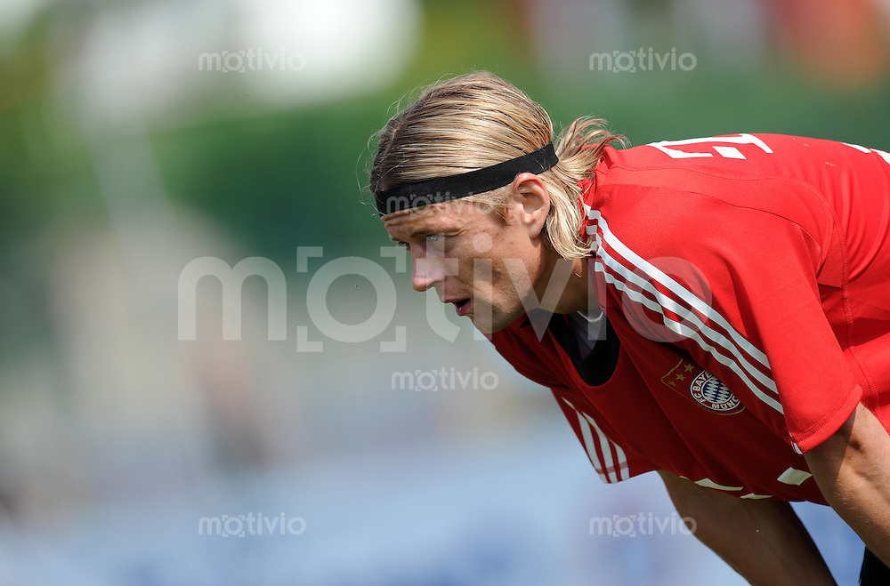 Fussball 1. Bundesliga:  Saison   2010/2011    Training beim FC Bayern Muenchen 20.07.2010 Vorbereitung im Trainingslager am Gardersee , Trentino, Riva del Garda Anatoliy Tymoshchuk (FCB)